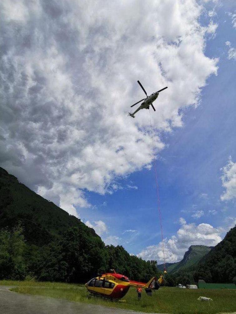 Evacuation d'un hélicoptère de la sécurité civile 2